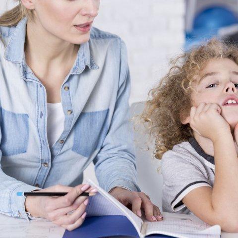 איך ניתן לזהות סימנים להפרעת קשב וריכוז